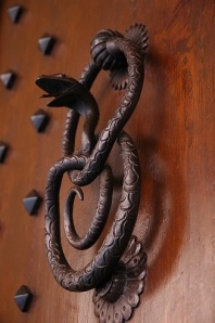 snake door